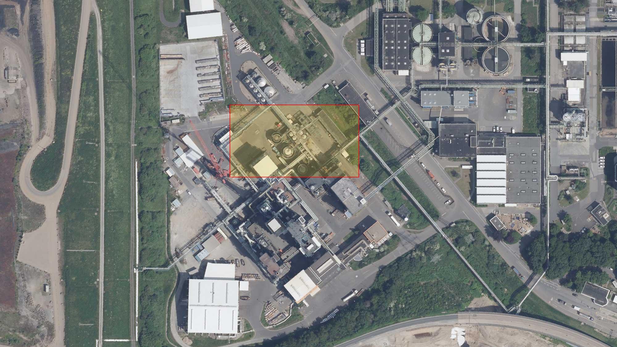 Gelände der Sonderabfallverbrennungsanlage mit Tanklager (siehe Markierung)